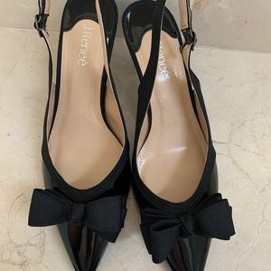 J.Renee bow sling back shoes